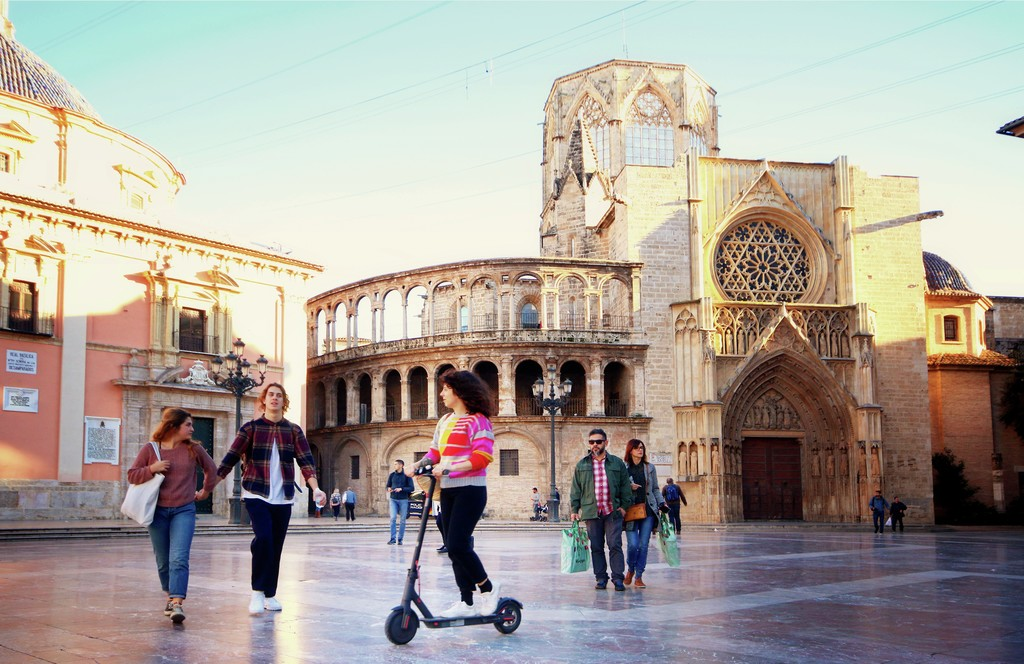 tour en patinete Valencia, tour electric mini scooter Valencia, visita monopatino Valencia